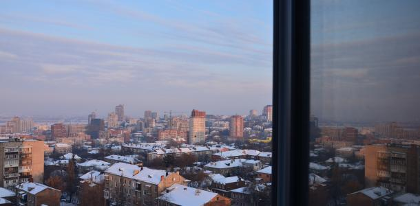 Огромные сосули и белые дороги: Днепр в плену мороза (ФОТОРЕПОРТАЖ)