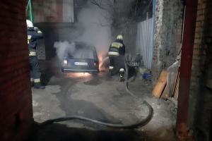 Пожар уничтожил легковушку. Новости Днепра