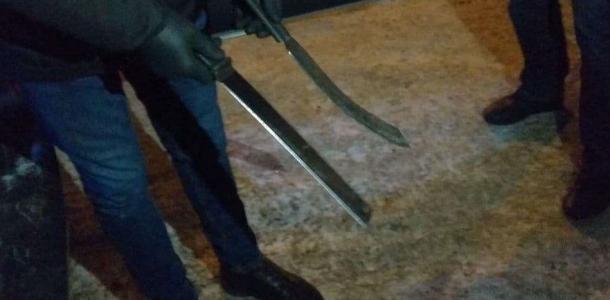 Коллекцию эксклюзивного оружия собрал в своей машине днепрянин: полиция его задержала