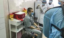 Первый пошел: в Украине сделали прививку против COVID-19