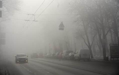 Будьте осторожны за рулем. Днепр накроет непроглядный туман