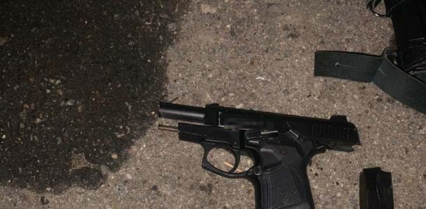 Угрожая оружием, угнал автомобиль: под Днепром задержан автовор