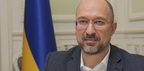 Журналистам и священникам могут дать право первоочередной вакцинации — Денис Шмыгаль