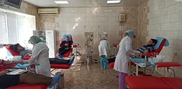 40 жителей Марганца сдали кровь для маленькой Надюши, которая прыгнула в ванну с кипятком