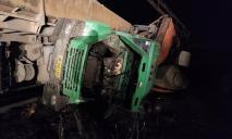 Столкновение грузовика и поезда: в больнице Кривого Рога спасают горняков
