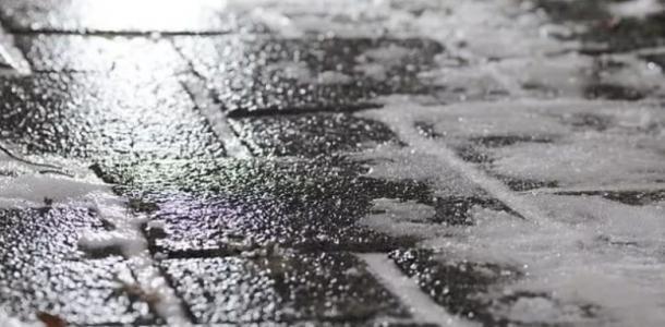 Снег с дождем и сильный ветер: погода в Днепре на 6 марта