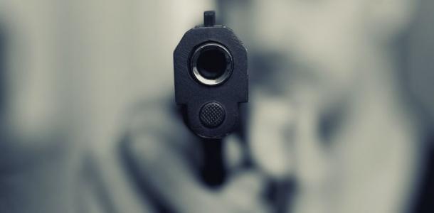 Мужчину ранили из пистолета, что известно