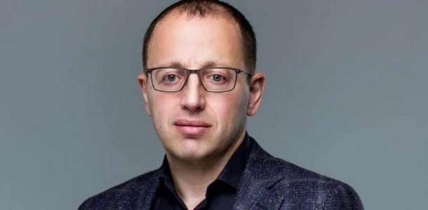 «Если можно, я буквально пару слов на восточно-украинском»: в Днепре языковые скандалы коснулись политиков