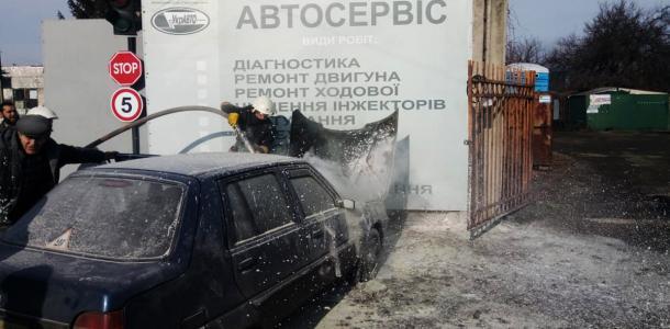 Массовое возгорание: за сутки на Днепропетровщине сгорело 3 авто (ФОТО, ВИДЕО)