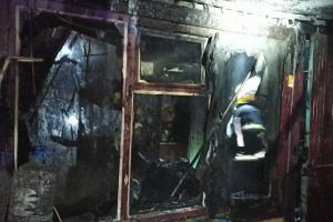 Две бригады спасателей тушили пожар, в котором могли погибнуть дети. Как чувствуют себя юные пострадавшие. Новости Днепра