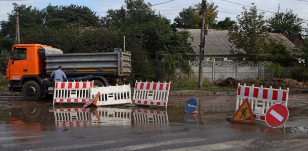 Одну из улиц Днепра планируют перекрыть более, чем на месяц: где не будет ходить транспорт