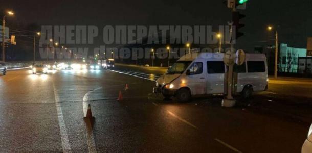 Семеро днепрян пострадали в аварии на Запорожском шоссе: подробности