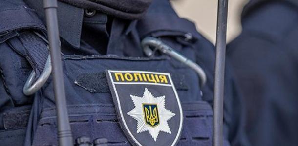 Полиция нашла боеприпасы, охотничьи ножи, марихуану и наполненный шприц у жителя Каменского