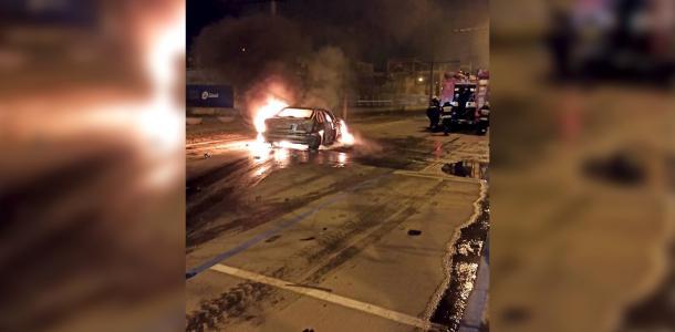 ДТП на Яворницкого: водитель смотрел, как огонь уничтожает его авто