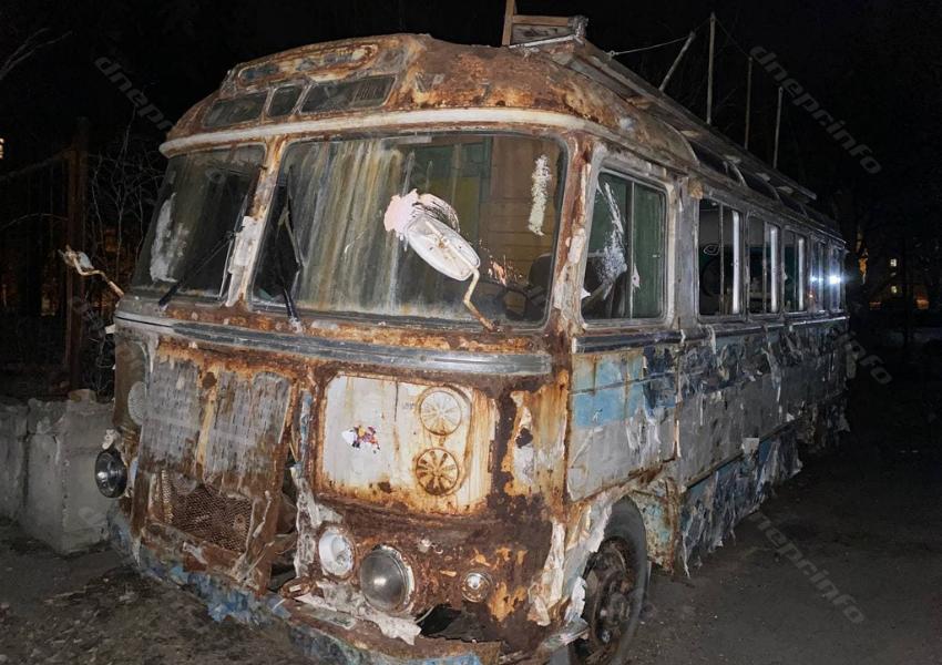 Где в Днепре находится кладбище старых автобусов «Телевидение». Новости Днепра