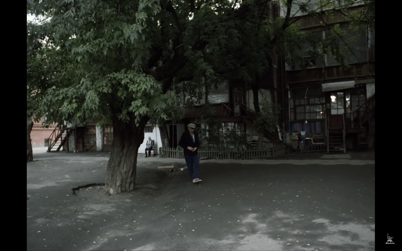 Михалков снимал здесь «Родню»: как выглядит дворик на Соборной площади. Новости Днепра