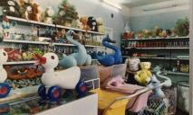 Как сейчас выглядит легендарный магазин «Чебурашка» (ФОТОРЕПОРТАЖ)