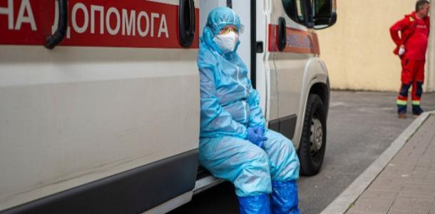 Ежедневно коронавирус убивает десятки жителей Днепра: статистика