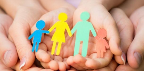 Жителей Днепропетровщины призывают создавать патронатные семьи