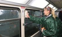 Чистка троллейбусных кондиционеров: в Днепре готовят электротранспорт к лету