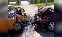Искореженные легковушки и труп: жуткое ДТП с погибшим и пострадавшими