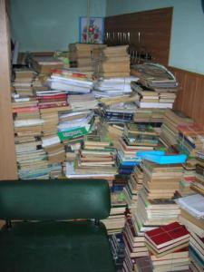 Новости Днепра про 451° по Фаренгейту: в Днепре из библиотек уничтожат 70 000 книг
