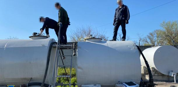 Правоохранители разоблачили нелегальный нефтеперерабатывающий завод — видео