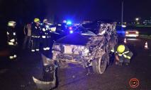Летальная автокатастрофа: в Днепре легковушка на полном ходу влетела в фуру