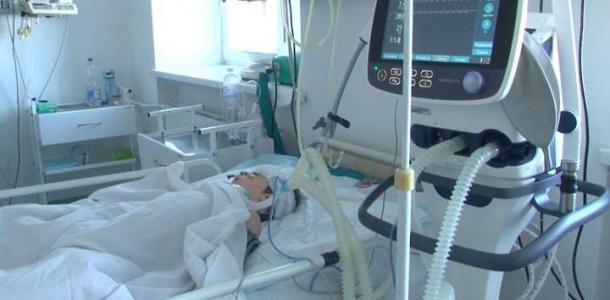 В Днепре спасают малыша, который получил химический ожог полости рта