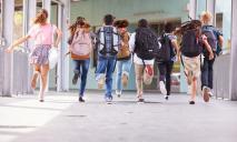 Охрана, отмена: школы Днепра уже могут не переходить на дистанционку
