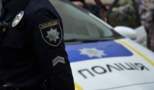 Сразу три протокола: в Днепре из машины, которая скрывалась от полиции, выпала женщина