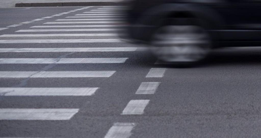 Новости Днепра про Оба куда-то спешили: в Каменском Toyota насмерть сбила мужчину (ВИДЕО)