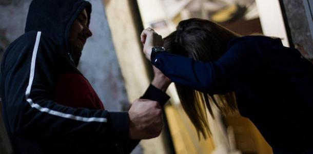 В Днепре завелся маньяк: очередное нападение на девушку
