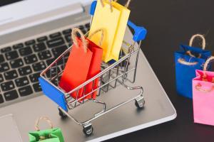 Новости Днепра про Какие товары украинцы покупают онлайн и сколько на них тратят