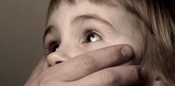 Почему так долго молчали: в Каменском мужчина 5 лет насиловал родных детей