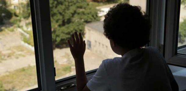 Родился в рубашке: в Днепре на Батумской из окна 4-го этажа выпал ребенок