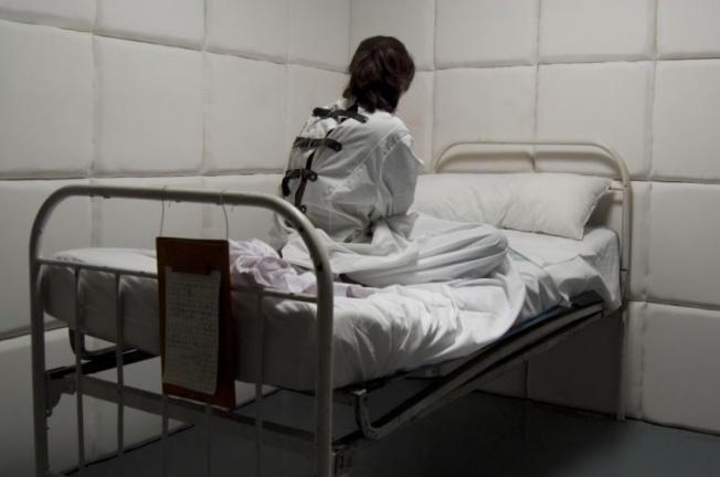 Уколы серы, газ и расстрел пациентов: история психбольницы на Игрени