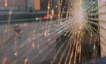 Повылетали стекла: в Днепре на улице Паникахи троллейбус влетел в маршрутку