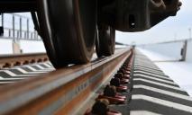 На переезде в Днепре поезд насмерть сбил 60-летнего мужчину