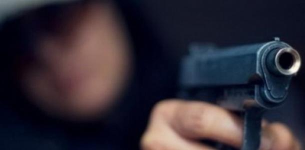 На Самарском мосту днепрянин стрелял в приятеля из пистолета
