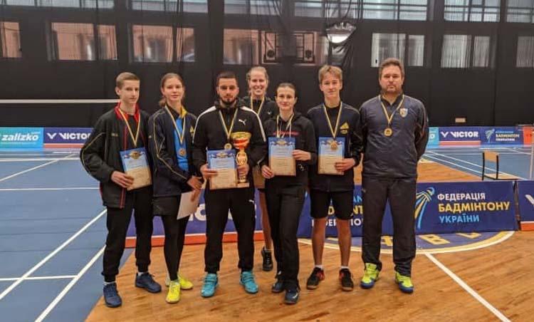 Новости Днепра про Днепровские бадминтонисты завоевали золото на Чемпионате Украины