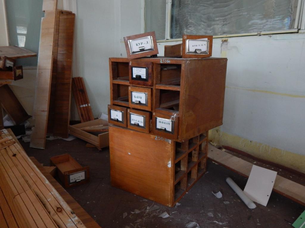 Новости Днепра про Заброшенные лаборатории, химикаты и портрет Ленина: как выглядит институт-призрак в Каменском