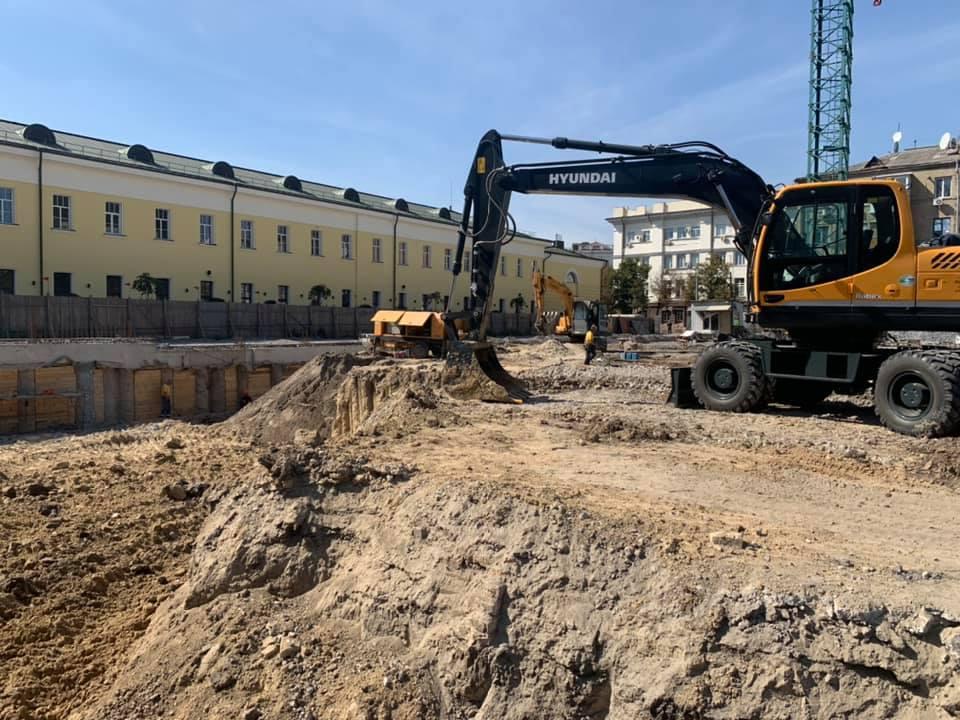 Новости Днепра про Возле суконной фабрики строят новый ТРЦ: ФОТО