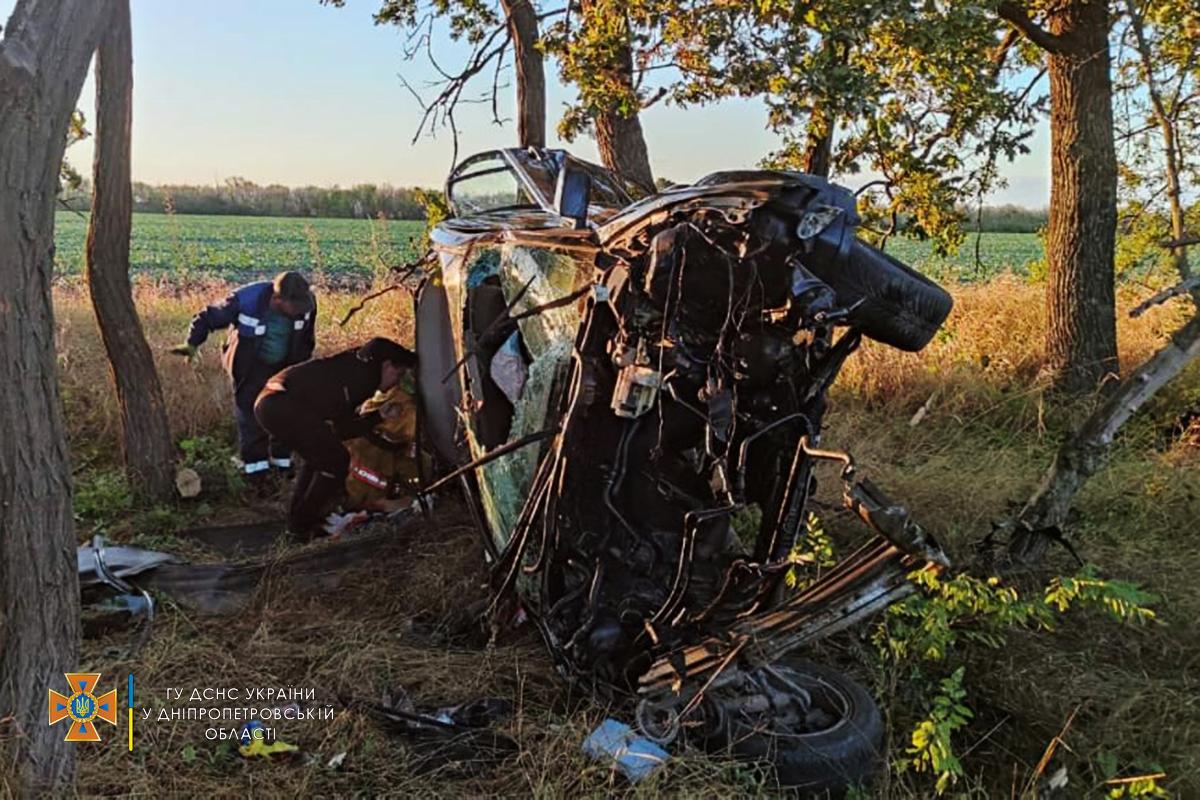 Новости Днепра про От BMW ничего не осталось, а водитель погиб на месте: ужасное ДТП под Днепром