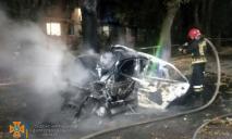 Водитель погиб в горящем авто после столкновения: авария в Днепре (ФОТО)