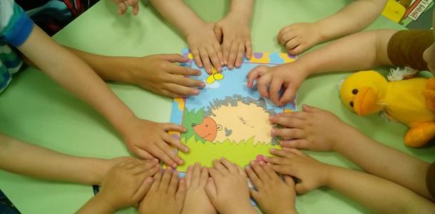 Без вакцинации: в Днепре 1-4 классам и детсадам разрешили работать