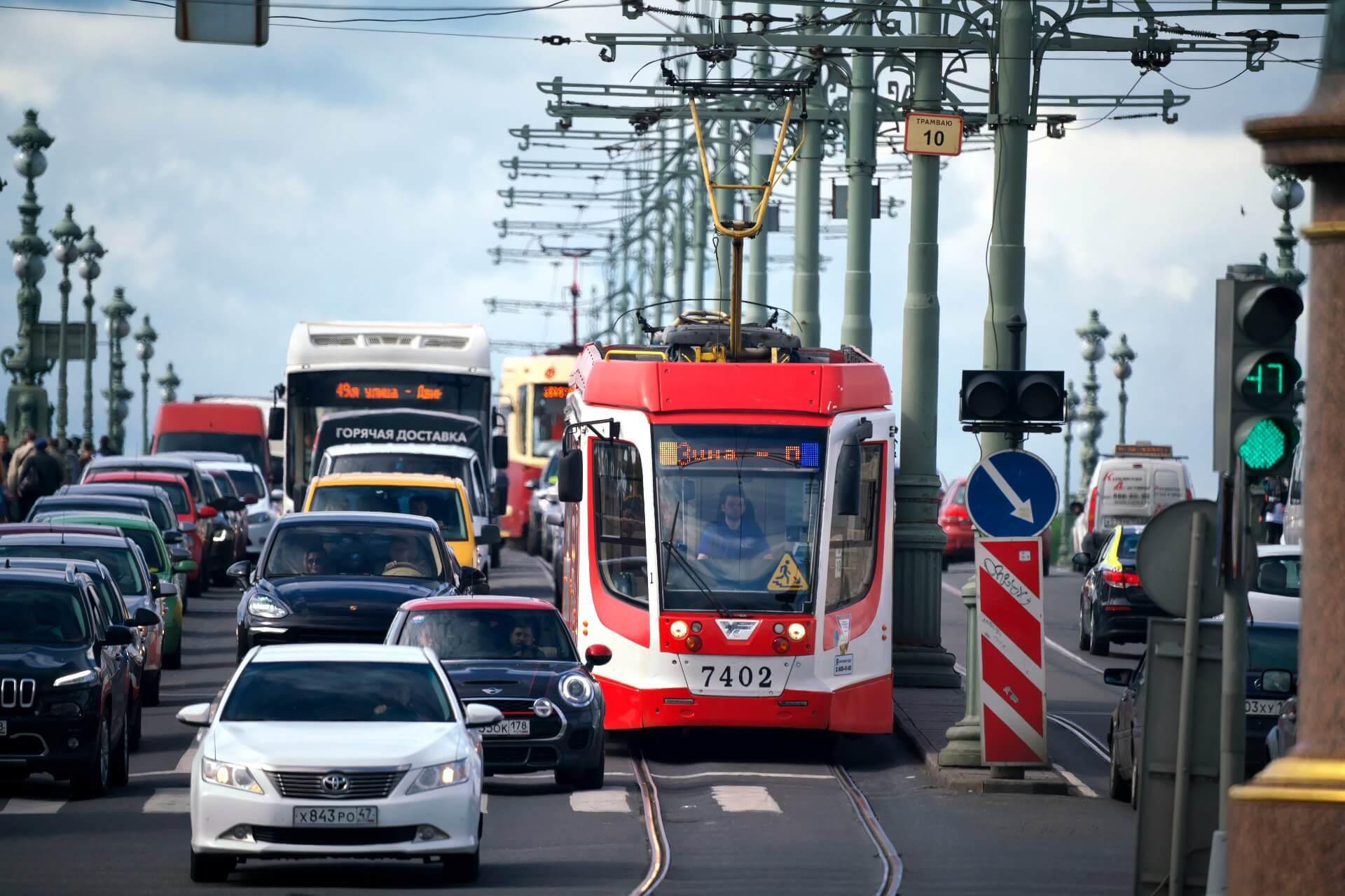 Новости Днепра про Завтра транспорт в Днепре изменит график движения: планируйте маршрут