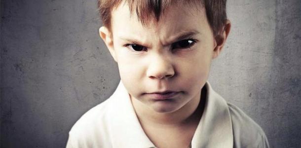 Издевательства над детьми: в Днепре второклассник держит в страхе весь класс