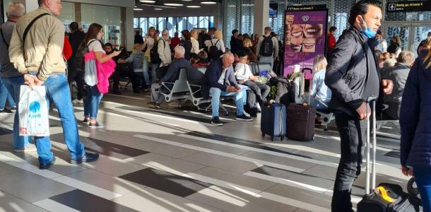 Самолет из Стамбула не долетел до Запорожья: люди в панике
