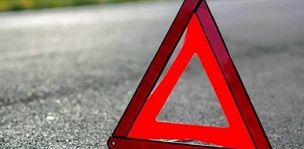 Не разминулись: в центре Днепра столкнулись иномарка и ВАЗ